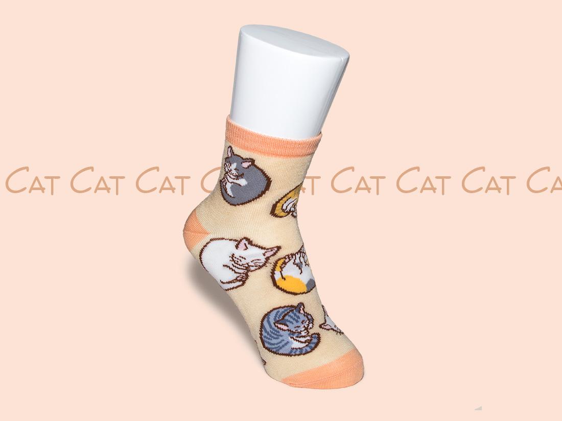 ペットラバーズ商品紹介、一日うきうきする猫の靴下